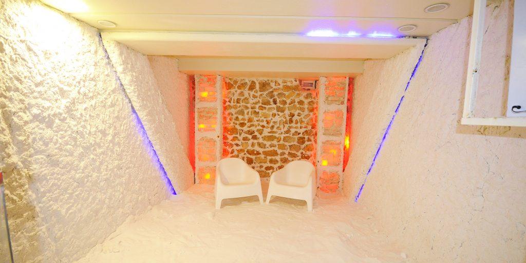 Women Salt Room